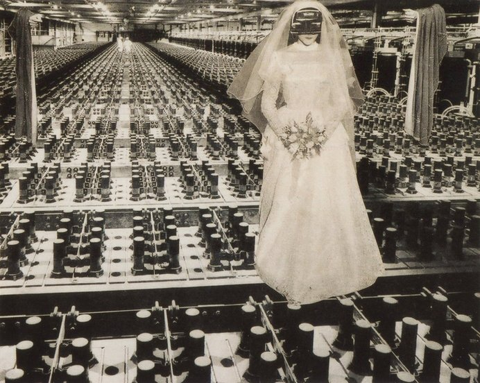 《花嫁 Bride》©Okanoue Toshiko, 東京国立近代美術館蔵