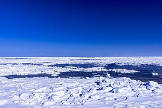 """神秘に満ちた""""流氷""""。いまだけ限定のオホーツクの世界"""