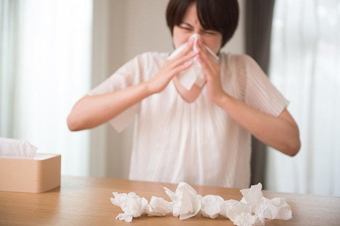 目や鼻だけではない!花粉が原因とされる悩ましい肌トラブル