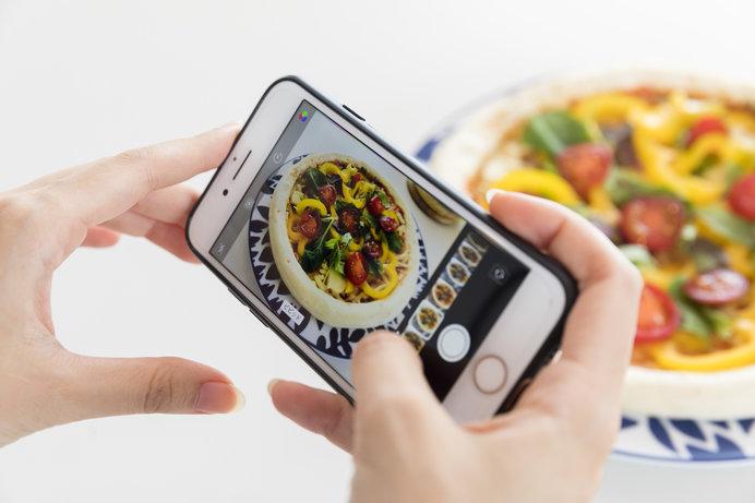 携帯電話の普及とともに写真はデジタルの時代へ
