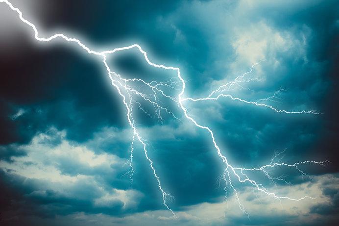 雷、上から落ちるか下から昇るか?七十二候「雷乃発声(かみなりすなわちこえをはっす)」