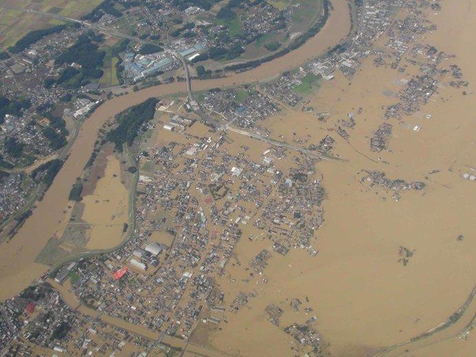 鬼怒川決壊により浸水しているようす(出典:関東地方整備局ホームページ)