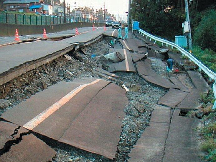 地震による被害のようす(出典:新潟地方気象台ホームページ)