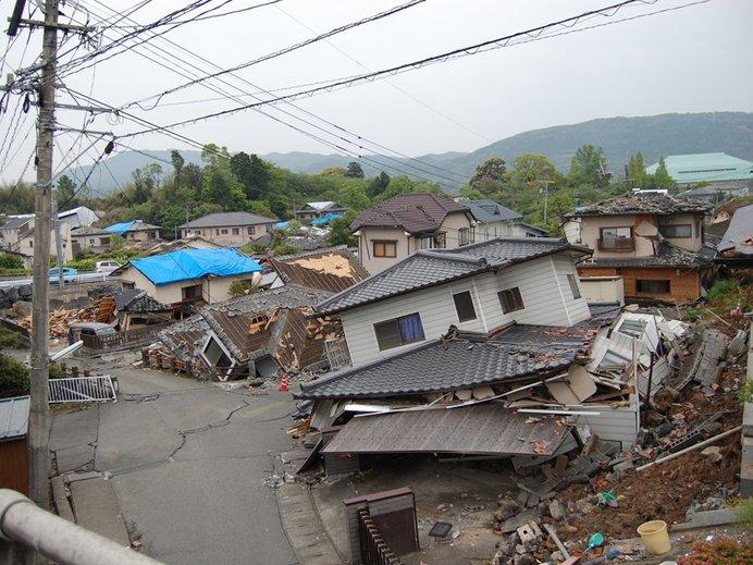 益城町の被害のようす(写真提供:国土交通省 九州地方整備局)
