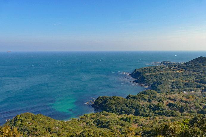太平洋とリアス式海岸が織りなす雄大な自然美に、心が洗われるよう