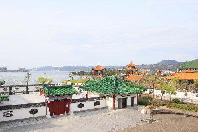 お隣は28景の中国庭園が並ぶ「道の駅 燕趙園」