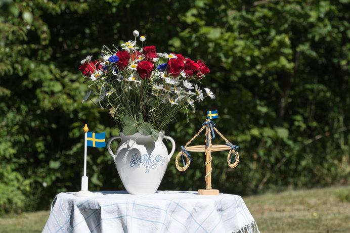 北欧では太陽に感謝をささげる夏至祭も