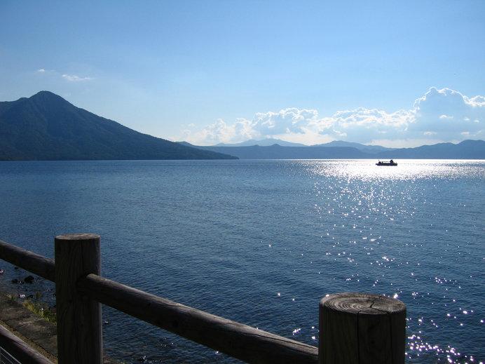 日本最北の不凍湖「支笏湖」の透明度は世界屈指!