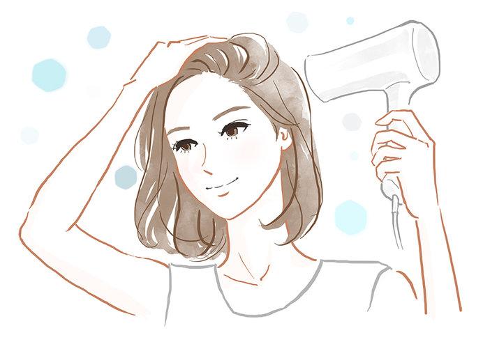 最後に頭皮に冷風を当てると、髪の根元も立ち上がりやすくなります