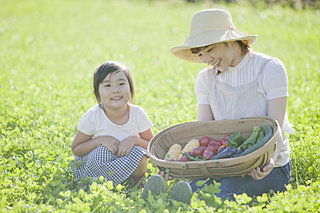 「知って得する季語」──漢字で覚える夏の野菜・果物