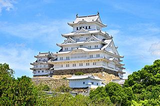日本が誇る「白い城」と「黒い城」。その違い、ご存じですか?