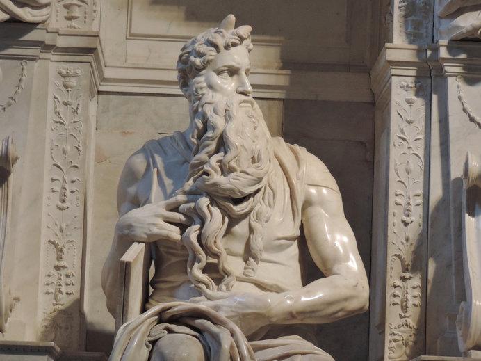 ミケランジェロのモーゼ像