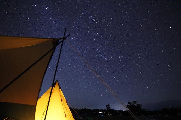 見渡す限りの星空も高原キャンプのお楽しみ♪ ※画像はイメージ