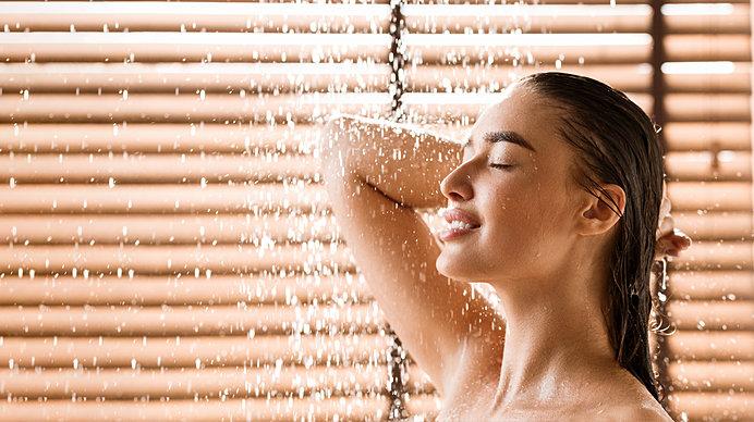 海外では浴槽につからず、シャワー浴が主流