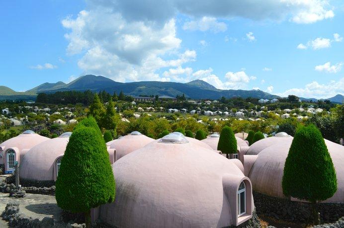 森の中のドーム型ホテルで宿泊も可能!