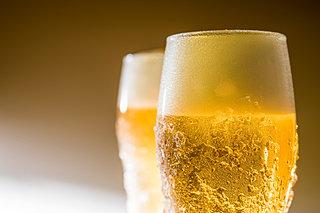 暑い日は『ビール』で乾杯!意外と知らないビールの歴史