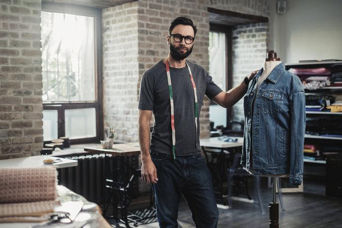 デニム生地で作られた衣類を総称して「デニム」と呼ぶことも