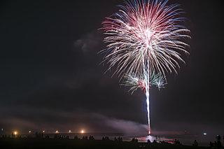 夏の風物詩!花火大会の起源と、江戸の夜空を彩った二大屋号「鍵屋」と「玉屋」