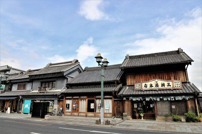 1848(嘉永元)年創業の人形店「三枡屋本店」では、かわいい和雑貨をお土産に