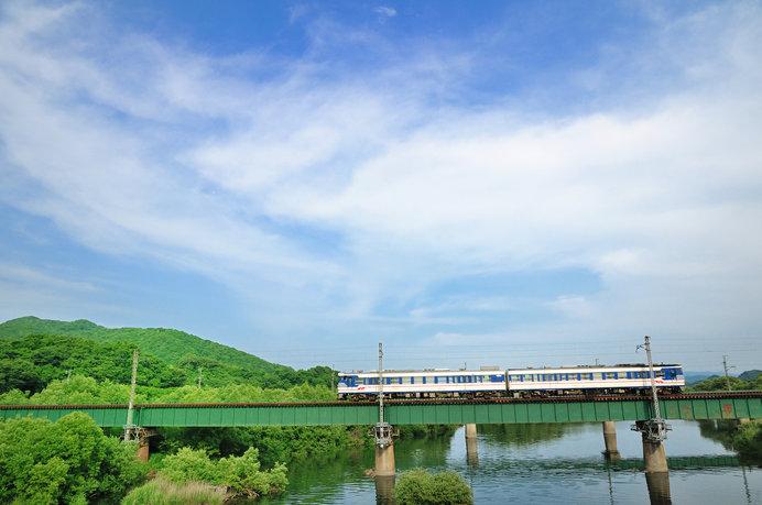 村上市を流れる三面川の風景