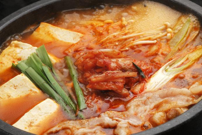 汗をかきかき、ふうふう言いながら食べたい豆腐チゲ