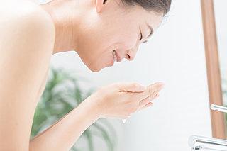 汗を多くかく夏から季節の変わり目の正しい洗顔方法