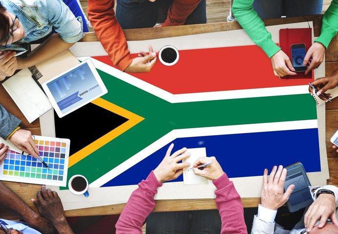 公用語が11カ国語におよぶ南アフリカの国家にも注目!