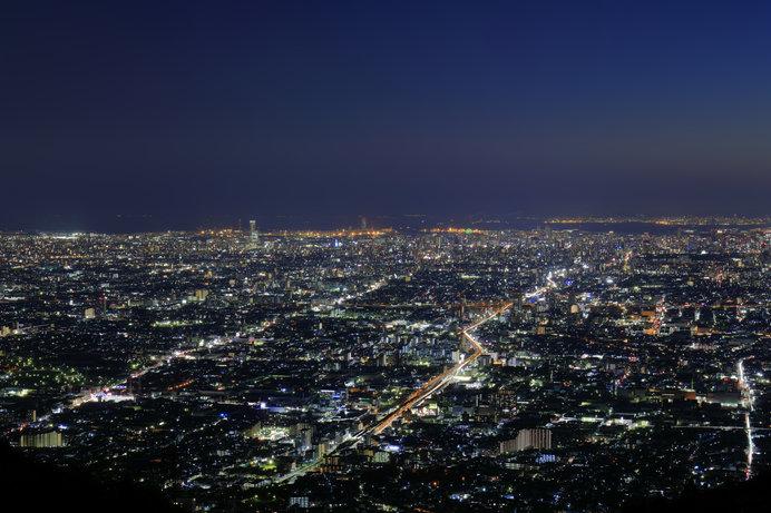 「信貴生駒スカイライン」から望む、美しい夜景