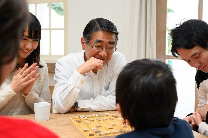 将棋で遊んで家族団らん