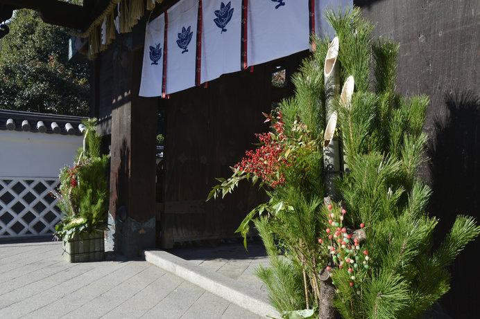 大きくて豪華な門松は正月のシンボル