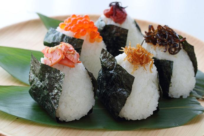 海苔を使った料理といえば、やっぱり、おむすびでしょうか…