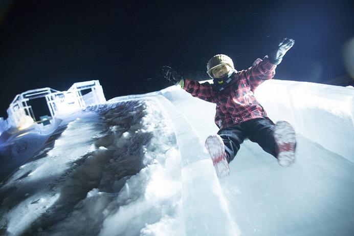 アイスヴィレッジの氷の滑り台(星野リゾート トマム)