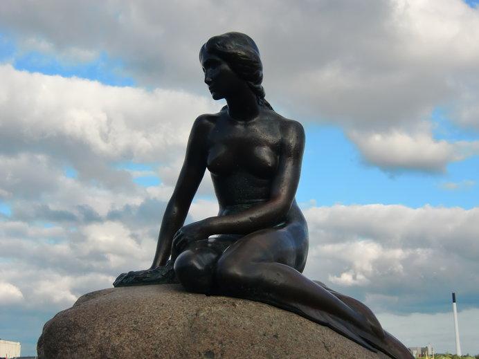 デンマーク コペンハーゲンの人魚像