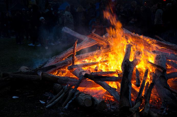 ヴァルプルギスの夜にはヨーロッパのあちこちでかがり火が焚かれます