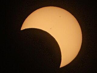 6月21日は部分日食☆そのとき絶対にしてはいけない行為とは!?