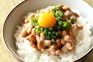 納豆の食べ方のコツ。キーワードは「ナットウキナーゼ」「魯山人」「ねり方」