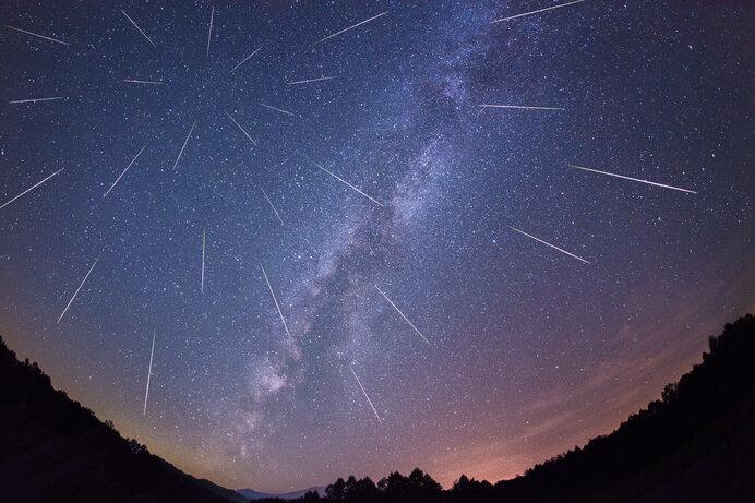 星座の1点から流れ星が!?(イメージです)