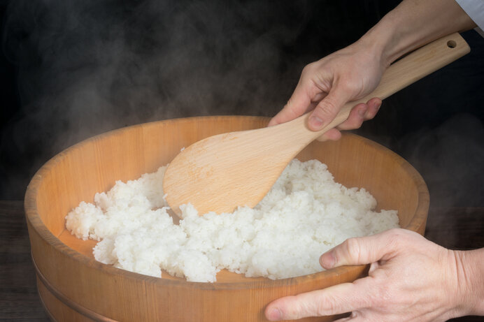酢飯のご飯は、炊き立てを