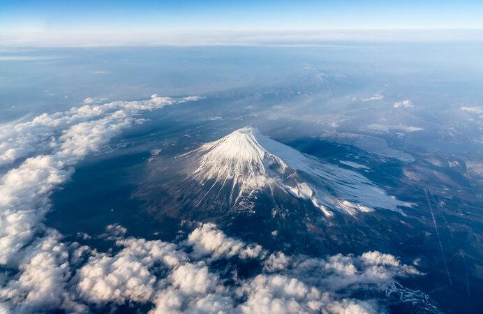 富士山での気象観測が始まったのは1895年(明治28年)