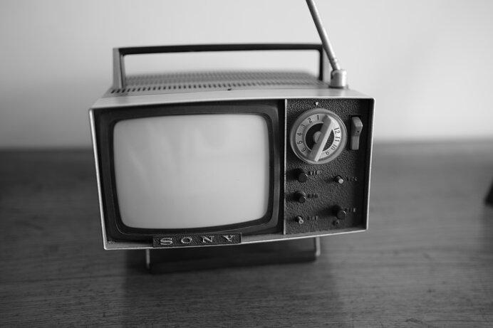 その時代を反映するメッセージ。8月28日は「テレビCMの日」です