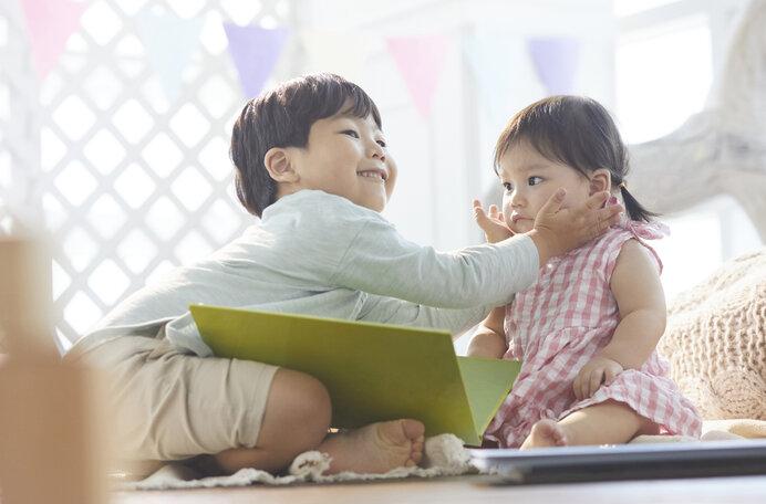 妹は兄や姉と遊ぶことで早く成長し才能が開花することも