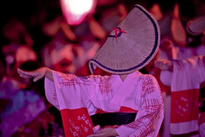 風鎮祭として江戸時代から続く幽玄な「越中おわら風の盆」