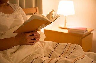 就寝前の過ごし方が大切!積極的睡眠で秋バテを予防しよう
