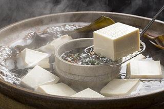 豆腐に感謝、豆腐(10月2日)の日。木綿豆腐と絹ごし豆腐の違い、知っていますか?
