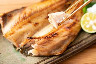 北海道のホッケが旬。大ぶりの身。塩焼きが最高!!