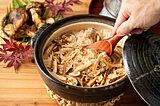 手軽に美味しく!旬のきのこ×炊き込みご飯。ホカホカご飯、食べませんか?