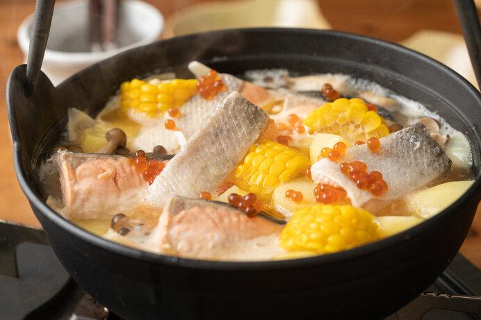 お鍋の季節も始まりました。写真は石狩鍋