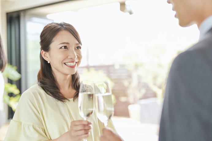 結婚相談所や婚活パーティーが現代版のお見合いです