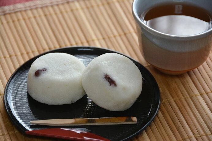 軽羹(かるかん)は良質な自然薯が採れる鹿児島ならではの和菓子です