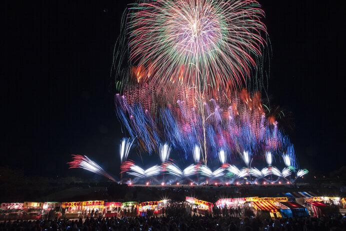 例年、長野えびす講では壮大な花火が打ちあがります(今年は延期)